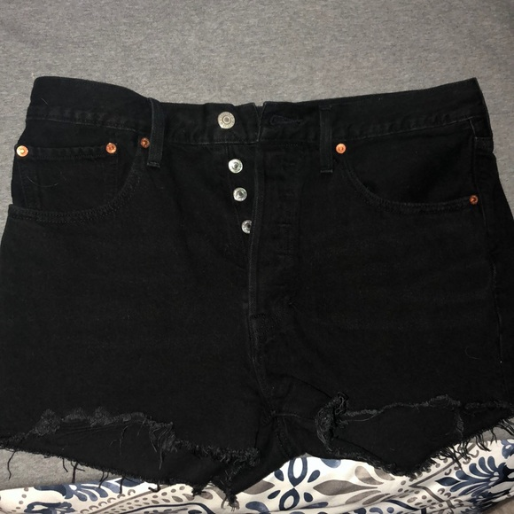 Levi's Pants - Perfect Condition Levi Shorts (fits small)